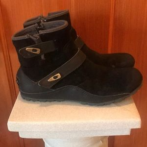 Women's suede Merrill ankle boots
